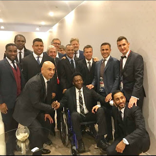 Pele with Mradaona, Okocha, Kanu & Other football legends