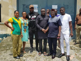 Harrysong Helps In Release Of Three Prisoners In Celebration Of Birthday
