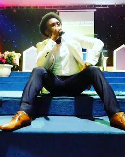 Samsong picture on stage