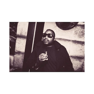 Tumi Molekane (stogie t) pictures