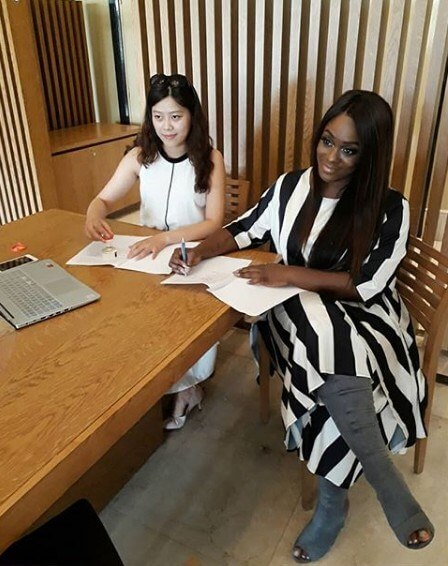 Uriel signs endorsement deal with chinese clothing company