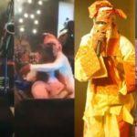 Simi kneels to greet Lagbaja