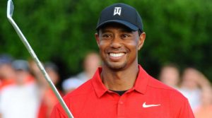 Tiger woods wins first trophy since 2013