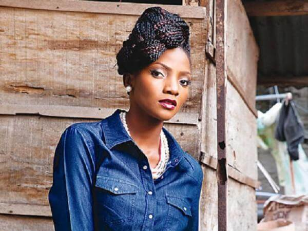 Singer Simi Gives Fans A Peep Into Her Sitting Room (Photos)