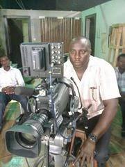 Raphael Niyi Stephen on set