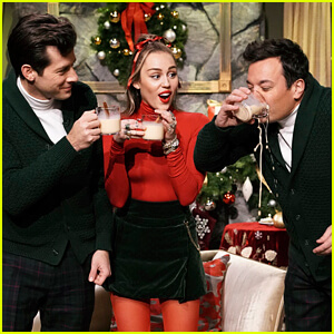 Miley Cyrus Sings A New Version Of Santa Baby