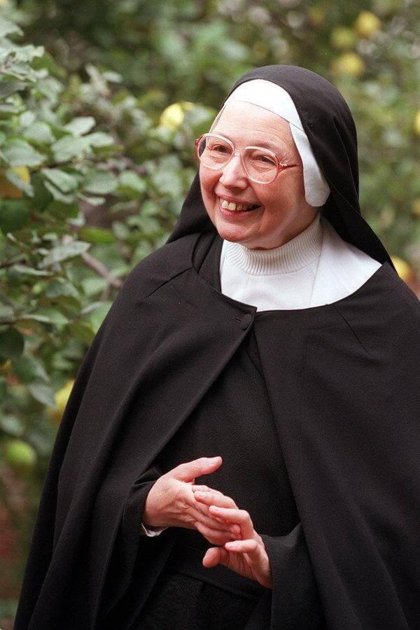 Art Historian & Nun Sister Wendy Beckett Dies Aged 88