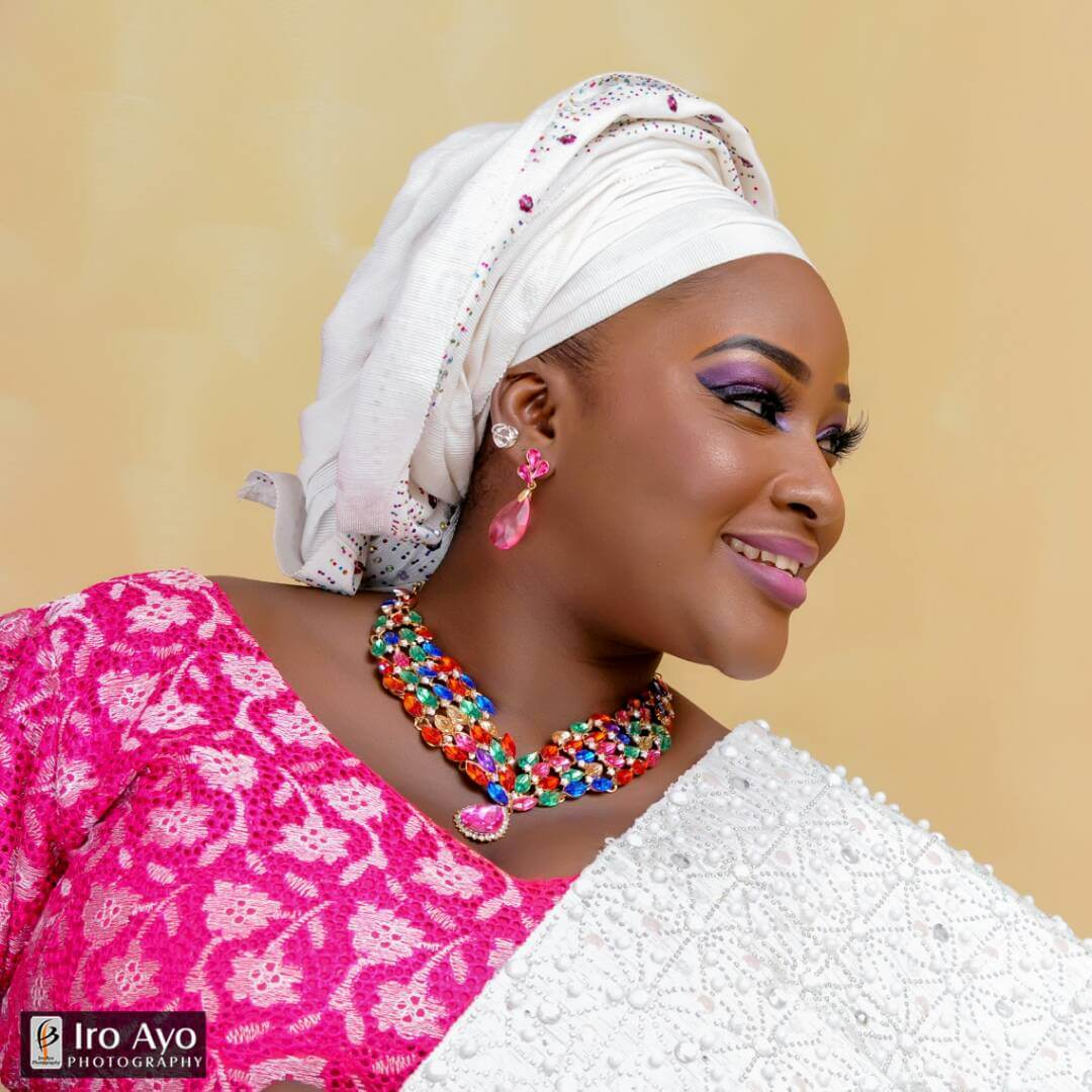 Titi Adeoye Biography & Pictures