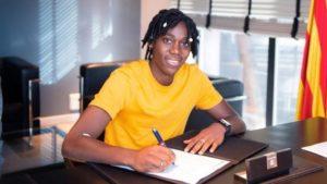 Asisat Oshoala signs for Barca