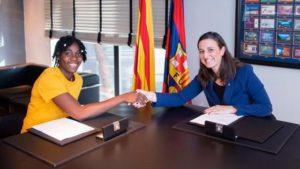 Asisat sign for Barca