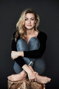 Yvonne Strahovski Biography - Age, Husband, Movies, Net Worth & Pictures