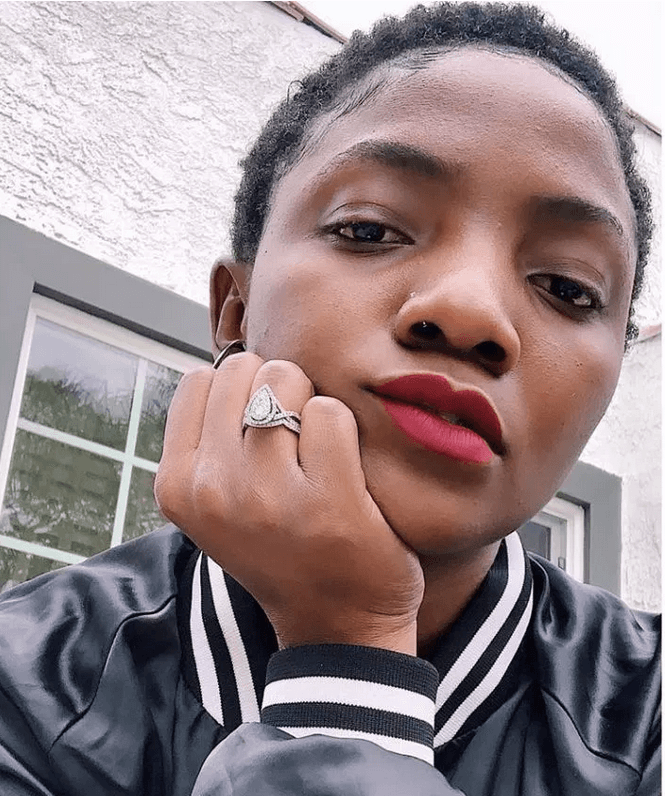 Simi Insults Fan Who Asked Her To Take Off Her Nose Ring