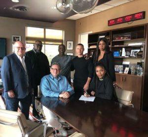Tiwa Savage signs with Universal music