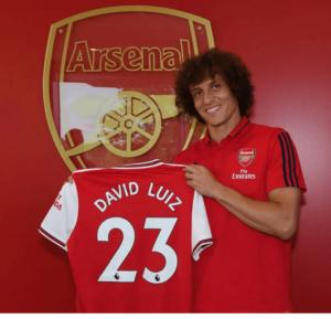 David Luiz signs for Chelsea