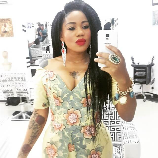 Toyin Lawani Biography: Age, Net Worth, siblings, father, mother, son & Pictures