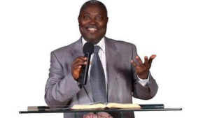 Pastor Kumuyi photo