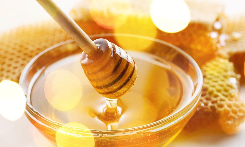 10 Amazing Uses & Benfits Of Honey