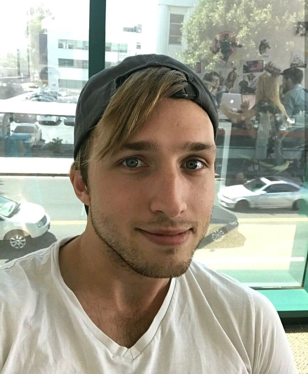 Shayne Topp Biography: Age, Height, Movies Net Worth & Pictures