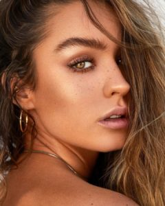 Sommer Ray Biography: Age, Height, Boyfriend, Net Worth & Pictures