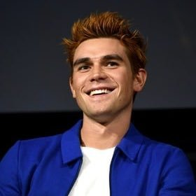 Kj Apa Biography: Age, Height, Movies, Relationship, Net Worth & Pictures