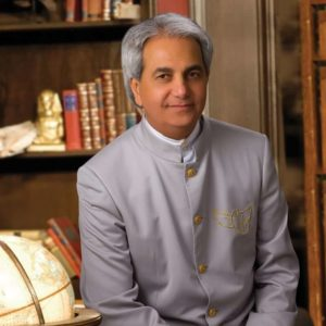 Benny Hinn Biography: Age, Wife, Books, Songs & Net Worth