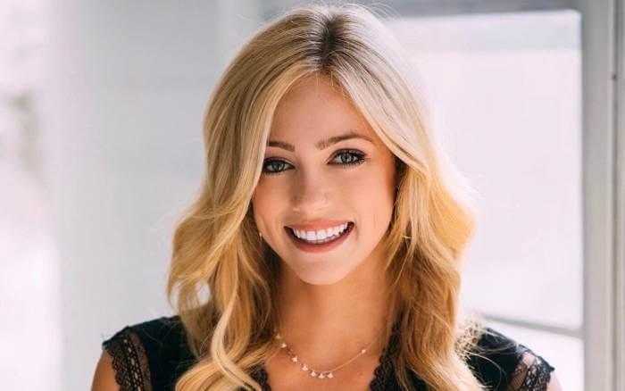 Abby Hornacek Bio: Wikipedia, Age, Height, Boyfriend, Net Worth